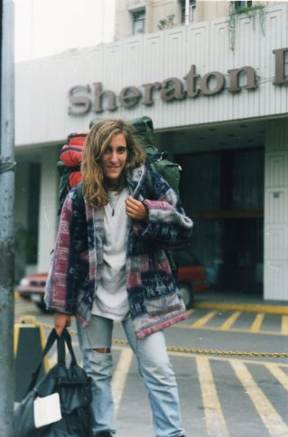 Frente al Sheraton de Lima, 1993.