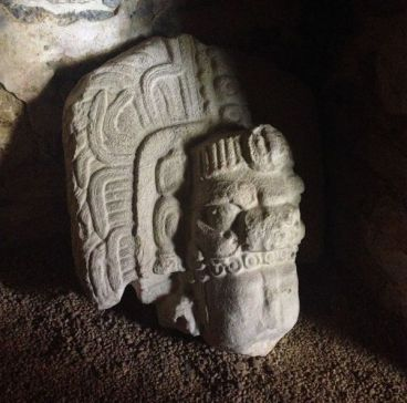 Yaxchilan_interior