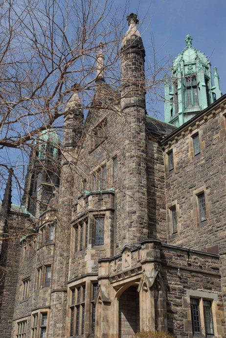 Universidad de Toronto.