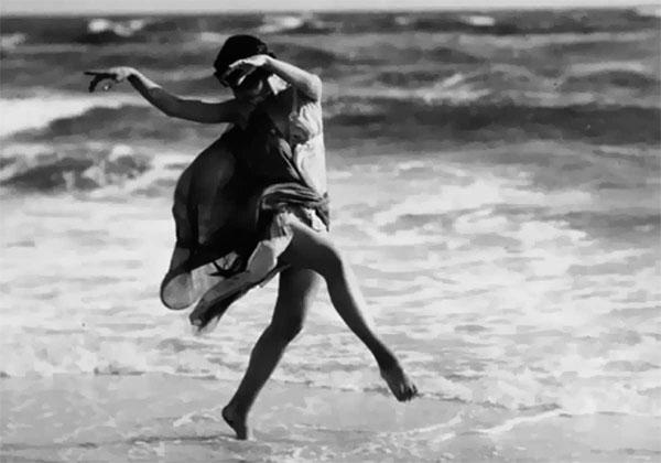Isadora Duncan bailando.