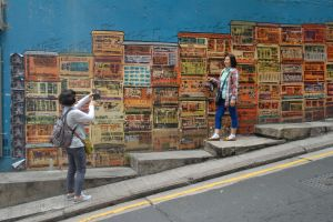 Fotogénico street art y en Hong Kong.