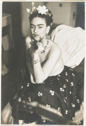 Frida en NY foto de Julien Levy entera
