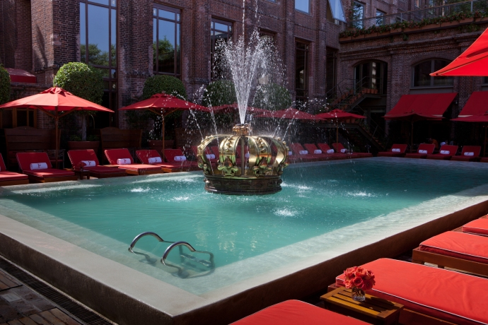 Poolbar, Faena Hotel Buenos Aires. Foto: Cortesía Faena Group.