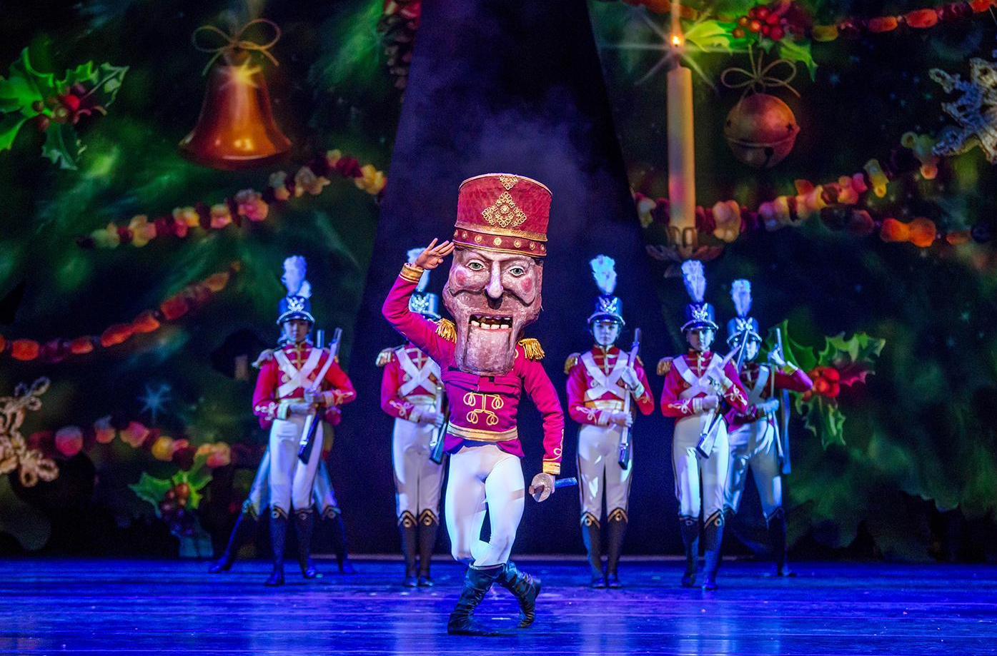 The Nutcracker presentado por el Joffrey Ballet de Chicago.
