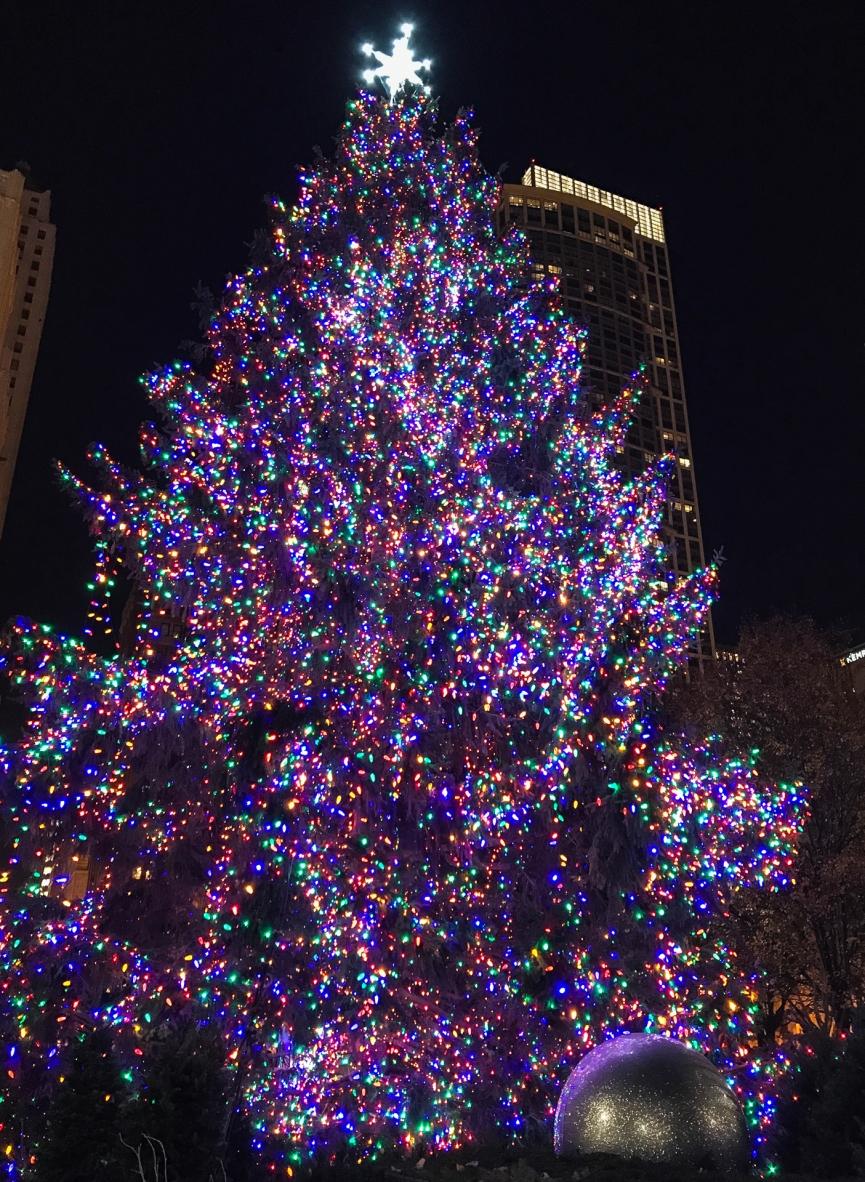 Árbol navideño gigante de Millennium Park.