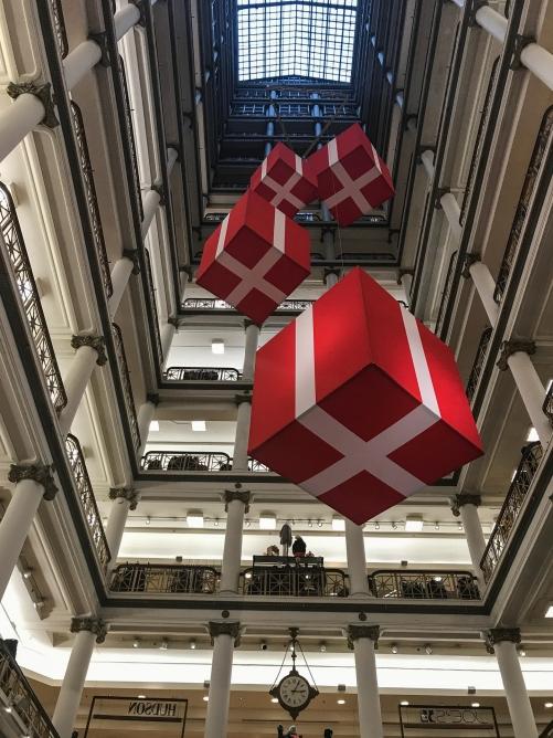 Decoración navideña en Macy's Chicago, 2017.