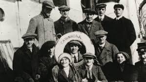 La troupe de Karno en el buque Cairnrona.