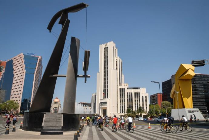 Paseo de la Reforma y Avenida Juárez.