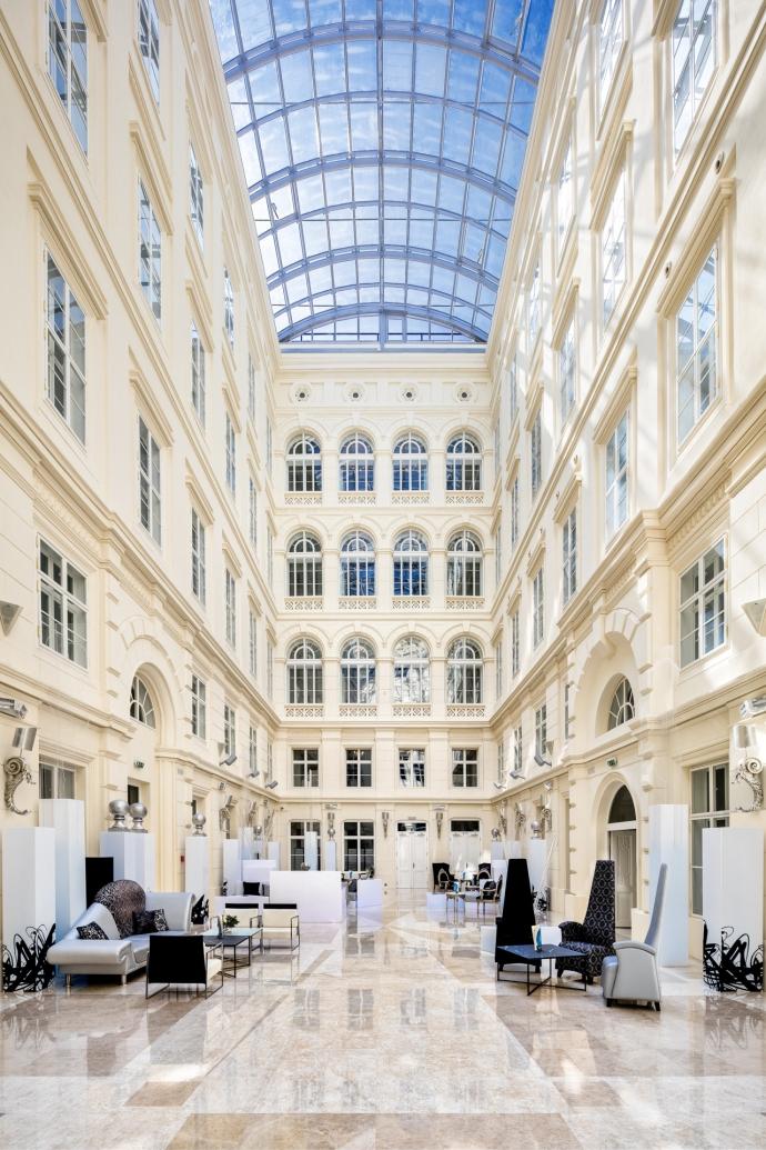 Lobby del hotel Barceló Brno Palace. Foto: cortesía del hotel.